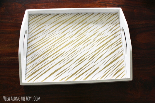 Tray_decor_with_gold_and_white_liner
